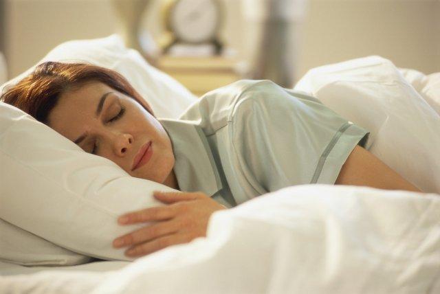 Отучиться засыпать на животе